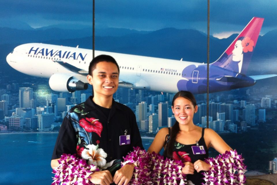 Leis Of Hawaii & Hawaiian Airlines ~ Welcomes You To Hawaii !!!