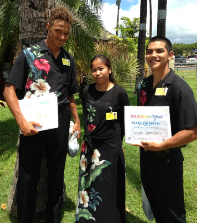 The Staff Of Leis Of Hawaii - Treyvon, Trida, Taz / Welcomes Make A Wish Hawaii