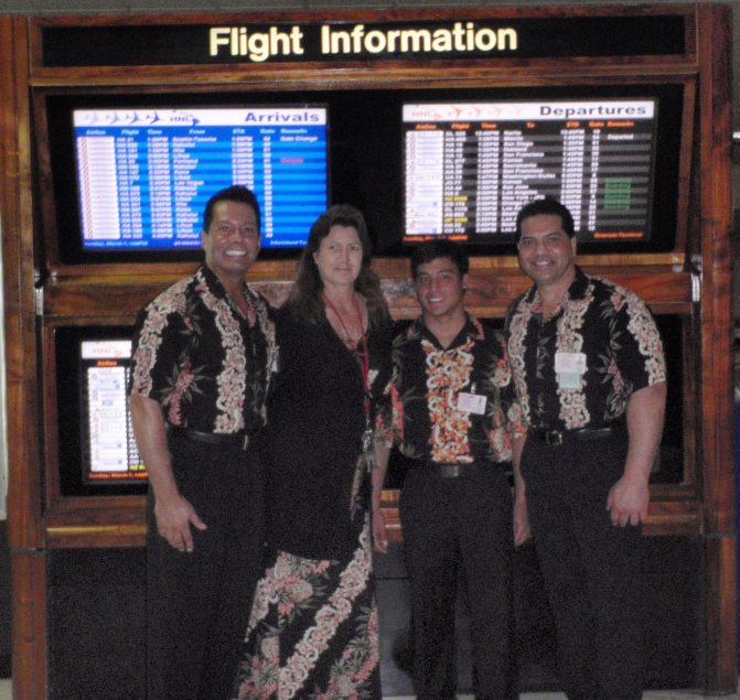 CLICH HERE FOR YOUR ~ AIRPORT LEI GREETING SERVICE